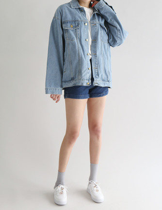 boxy button denim jacket
